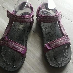 Teva purple sandal size 5